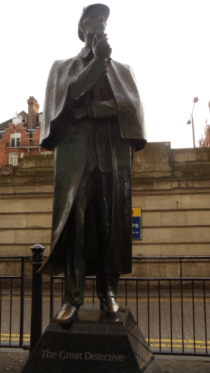 Sherlock Holmes Statue outside of the tube