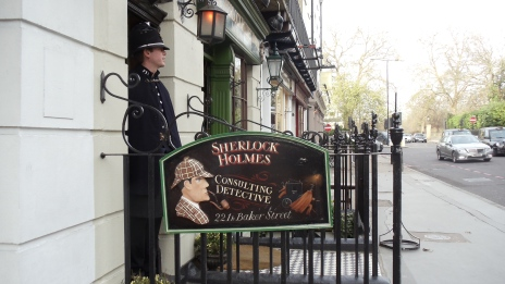 Sherlock Holmes' house and his guard